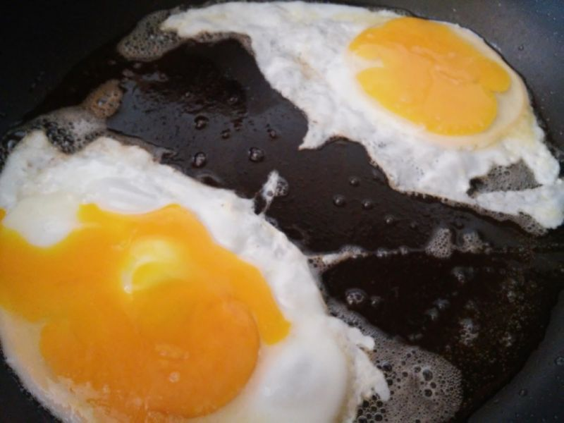 Jajko sadzone na kapuście