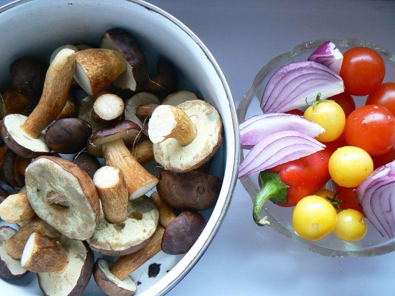 Jesienny kurczak z podgrzybkami i warzywami