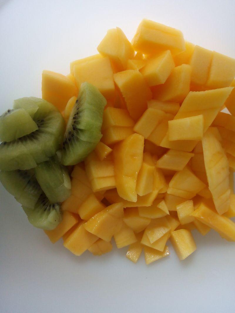 Jogurt z Mango i Kiwi