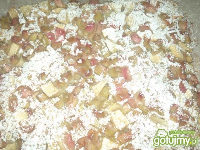 Jogurtowe ciasto z rabarbarem i jabłkiem