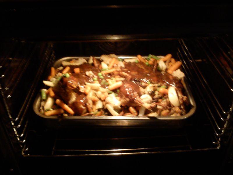 Kaczka pieczona z bukietem warzywnym