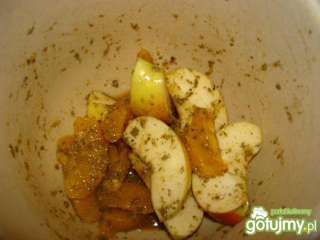 Kaczuszka z jabłkami i pomarańczami