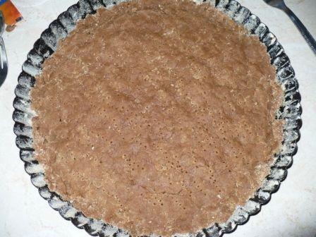 Kakaowa tarta z budyniem czekoladą i jabłkami