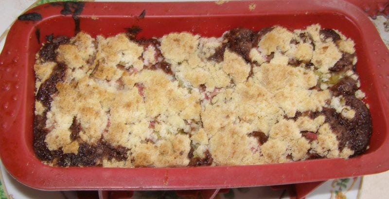 Kakaowe ciasto ucierane z rabarbarem