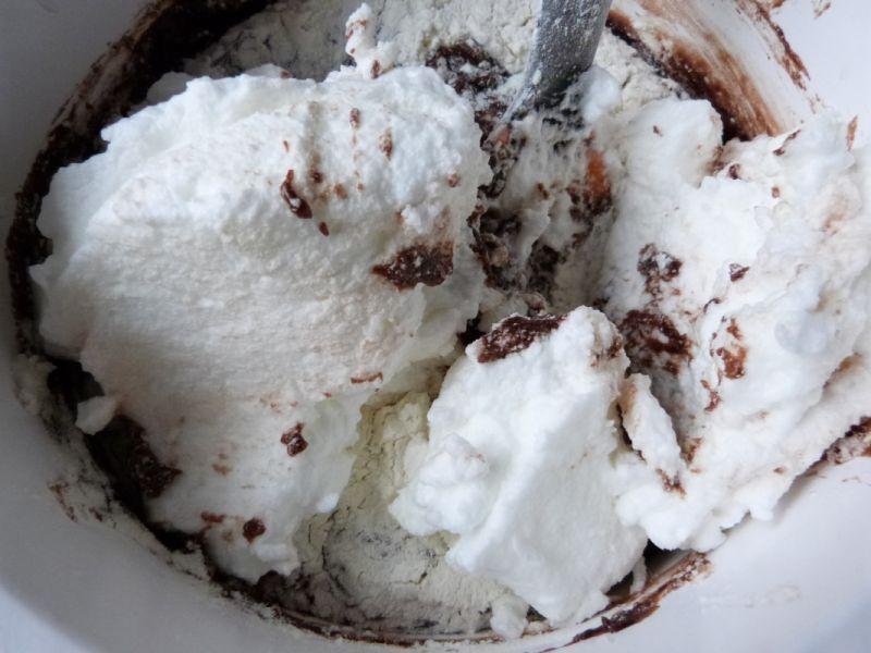 Kakaowy torcik z serkiem mascarpone