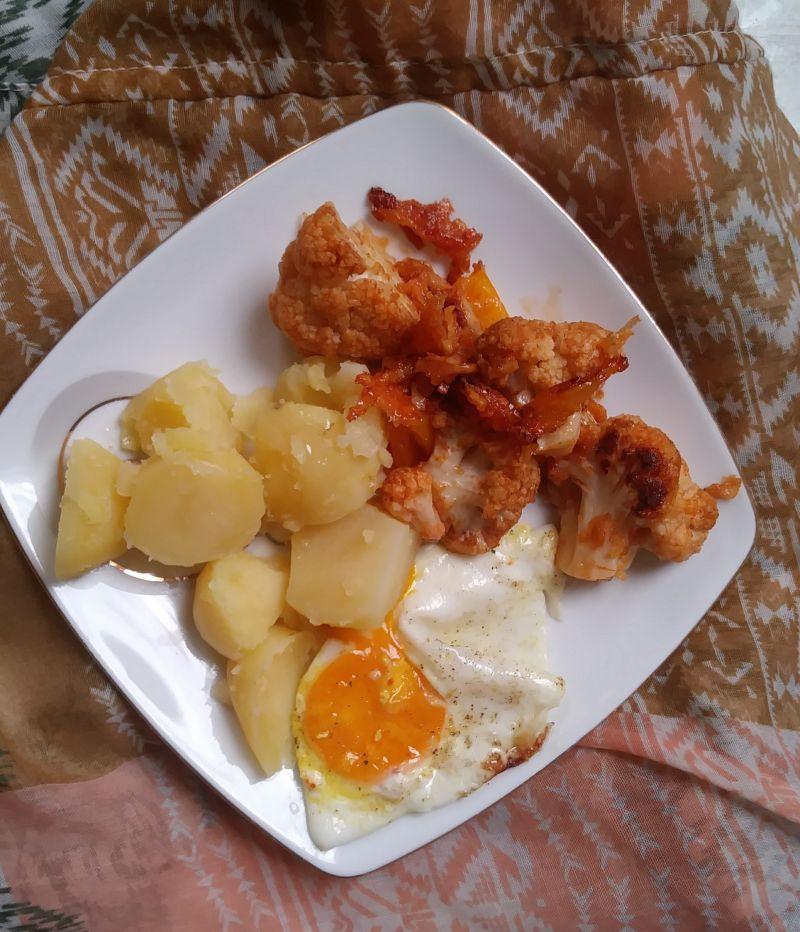 Kalafior zapiekany z serem żółtym