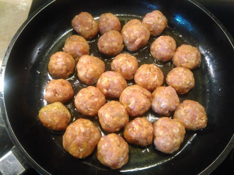 Kanapka z pulpecikami curry