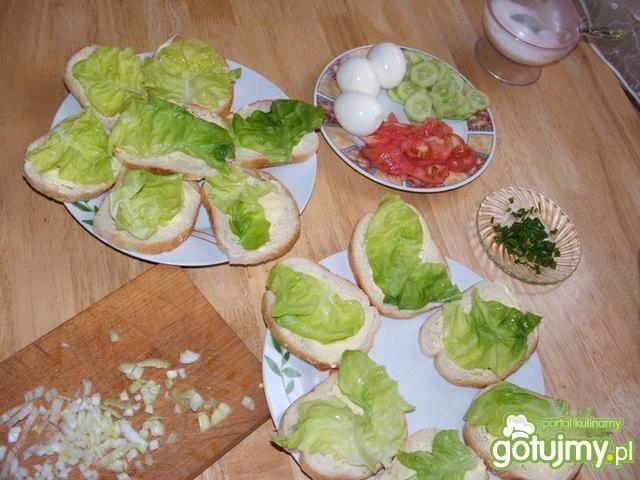 Kanapki z sałatą i warzywami