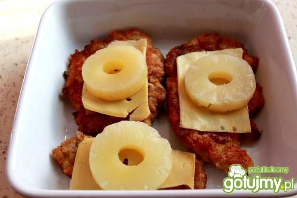 Karkówka z anansem i serem