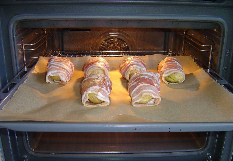 Kartofelki z piekarnika w bekonowym płaszczyku