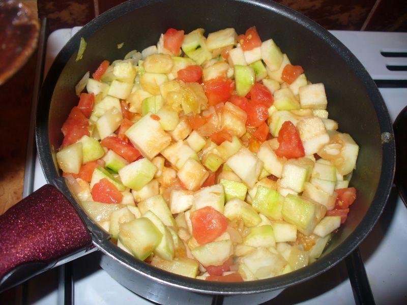 Kasza jaglana  z pomidorem i cukinią