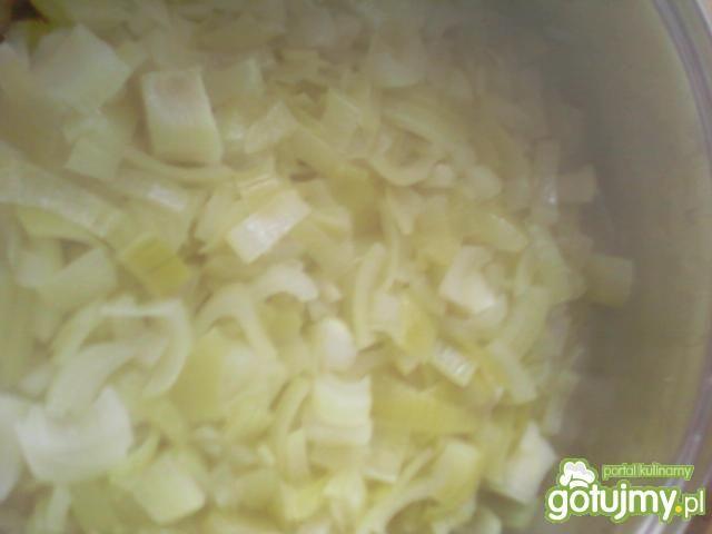 Kiełbasa podsmażana z cebulą