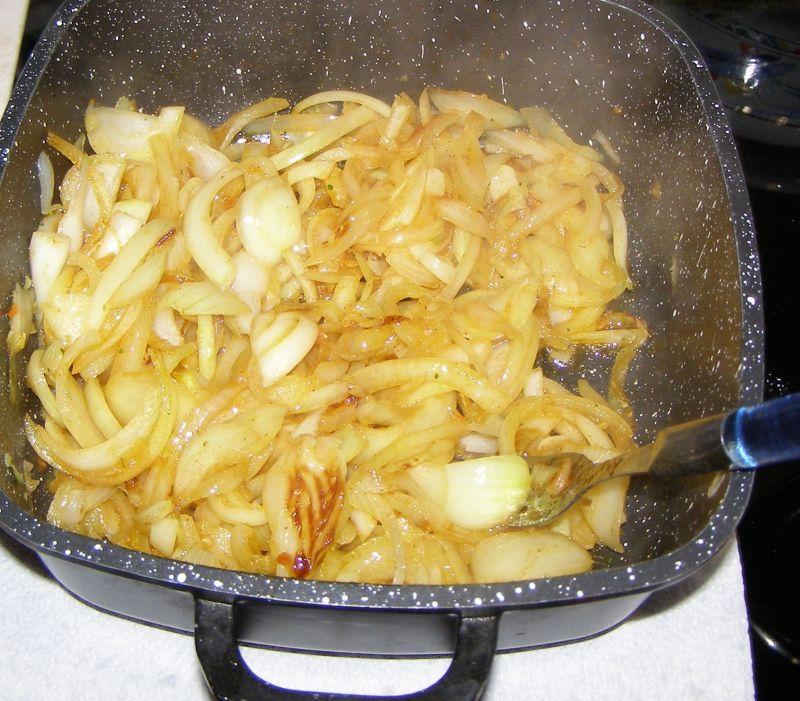 Kiełbasa z cebulą
