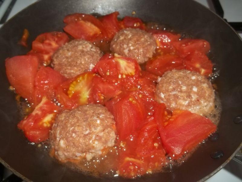 Klopsiki w pomidorach