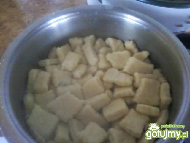 Kluseczki z zupą śliwkową