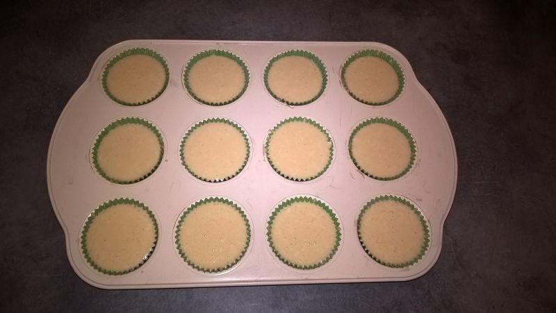 Kokosowe muffinki z polewą z białej czekolady