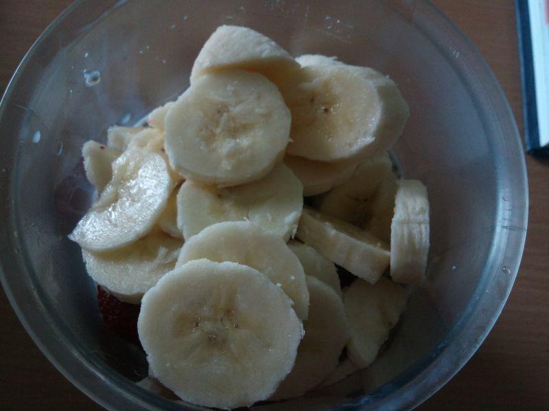 Koktajl truskawkowo-bananowy z chia