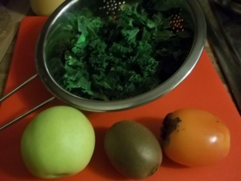 Koktajl z owoców i jarmużu