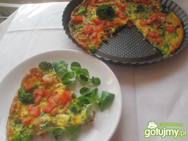 Kolorowa frittata z owocami morza