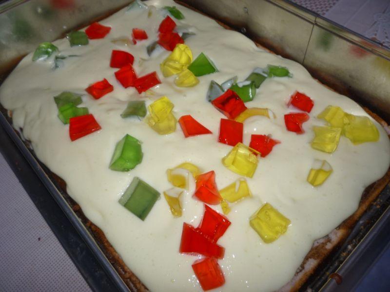 Kolorowe ciasto z masami