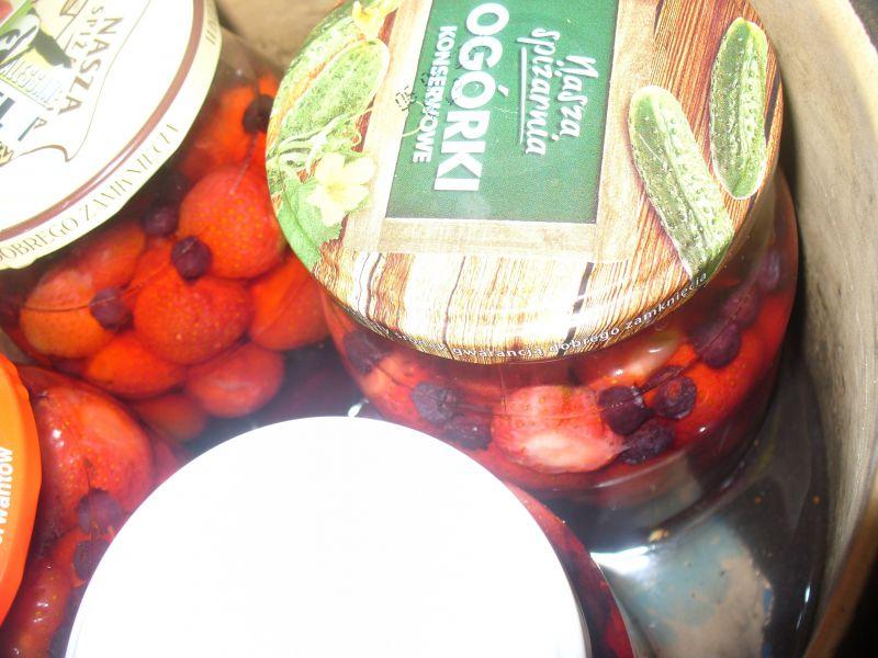 Kompot z truskawek z dodatkiem borówek