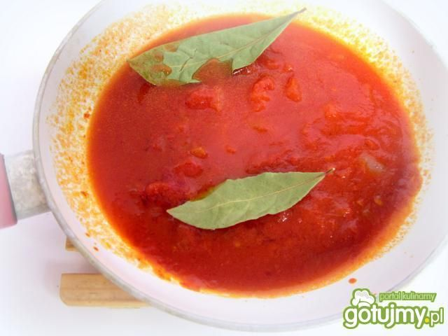 Koper włoski z mozzarellą w pomidorach