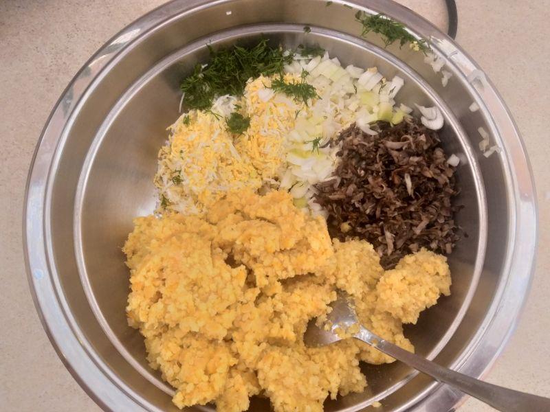 Kotleciki jajeczne z kaszą i soczewicą