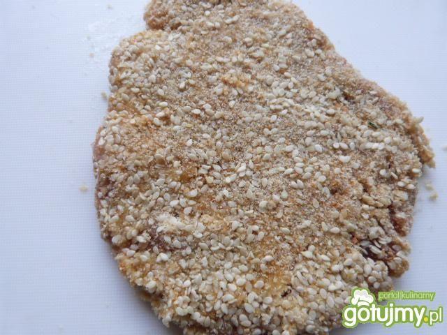Kotlet schabowy w sezamowej panierce