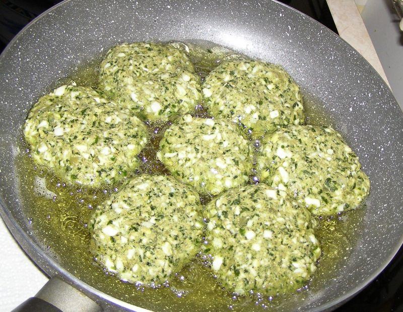 Kotlety jajeczno-szpinakowe