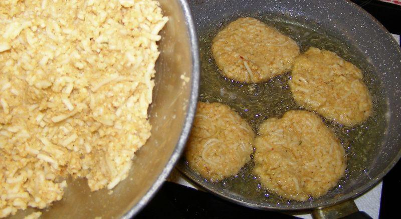 Kotlety makaronowo-serowe