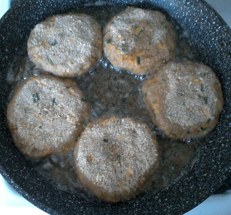 Kotlety z gotowanych ziemniaków z dynią