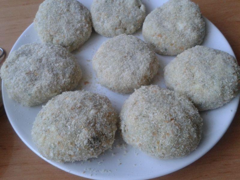 Kotlety z kalafiora i ugotowanych jajek