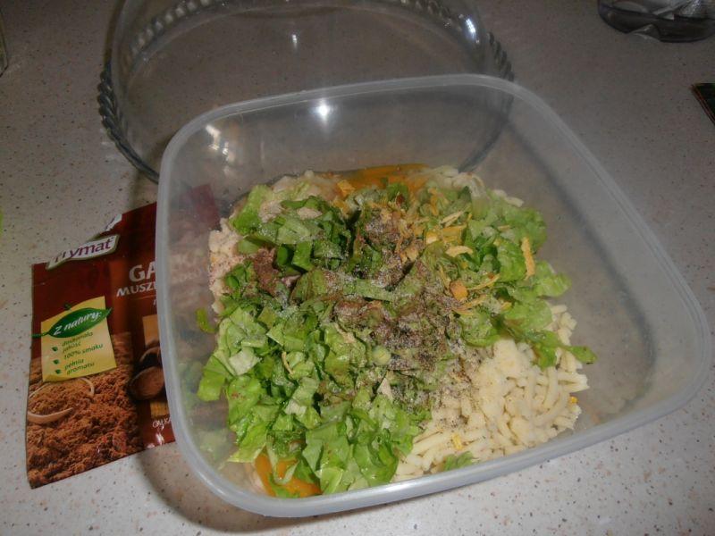 Kotlety ziemniaczane z sałatą