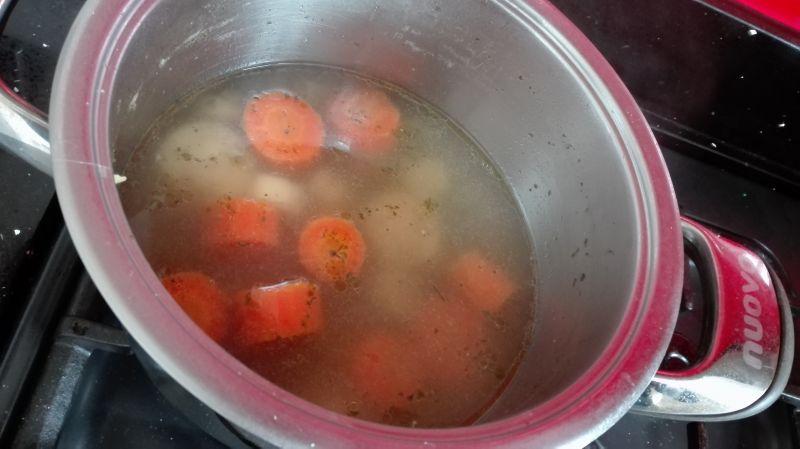 Krem dyniowy z pomidorami i curry