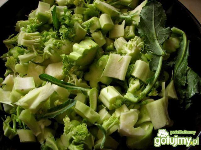 Krem z łodygi brokuła