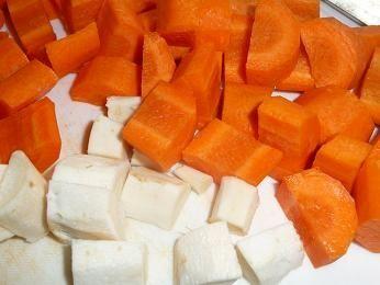 Krem z marchewką, cieciorką i bobem