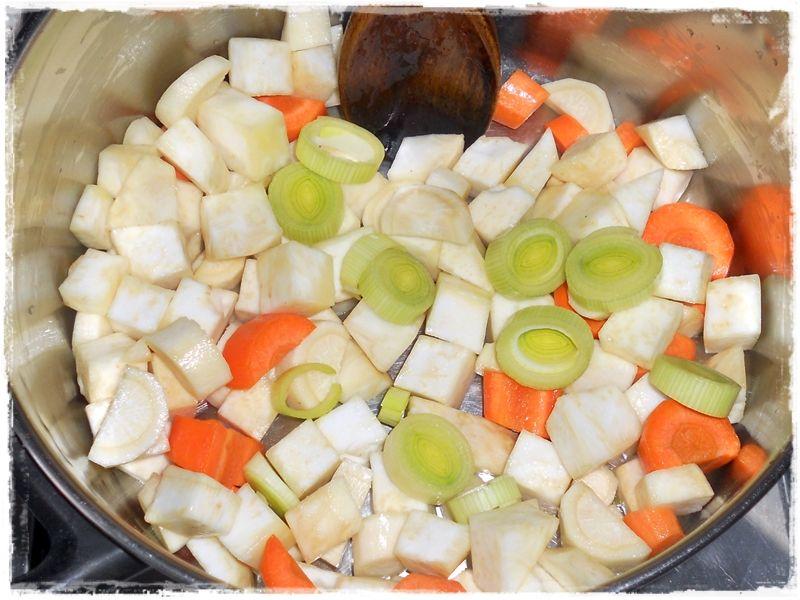 Krem z selera z ziemniaczanymi chipsami