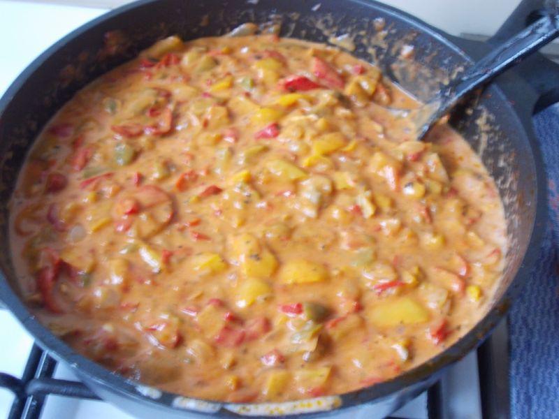 Kremowo - pikantny sos paprykowy
