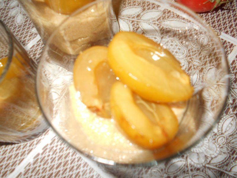 Kremowy deser z kaszą