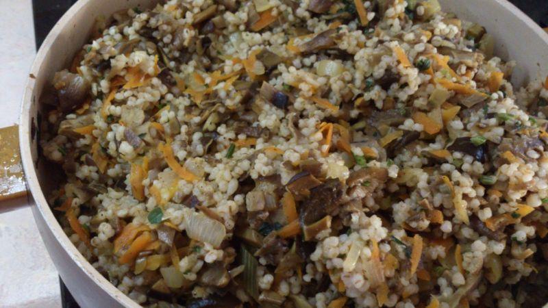 Krokiety z grzybami, kaszą i marchewką
