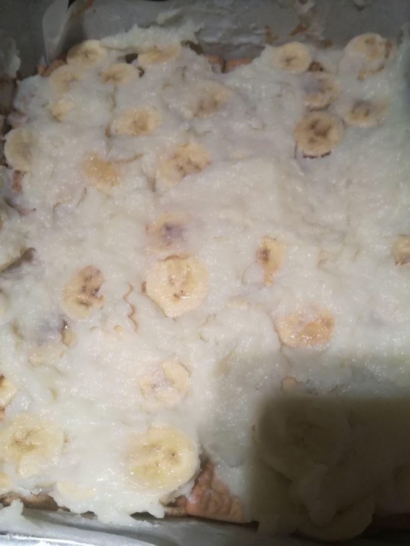 Krówkowe ciasto z bananami bez pieczenia