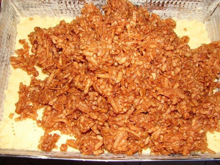 Kruche ciasto z jabłkami i cynamonem