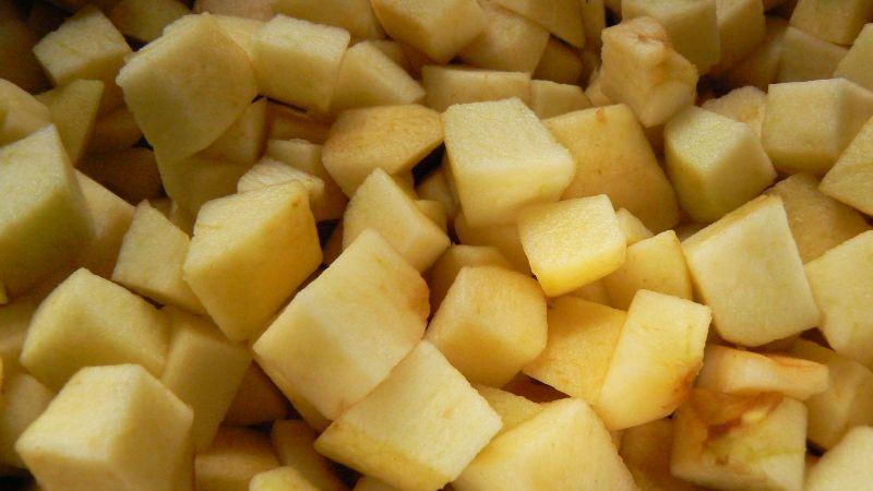 Kruche ciasto z jabłkami i rabarbarem