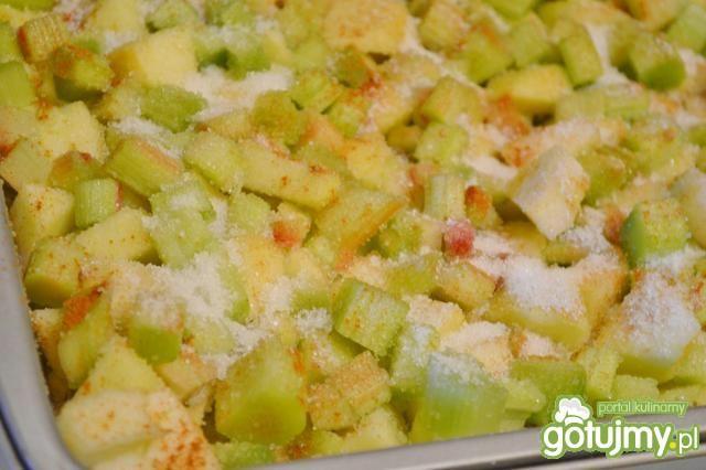 Kruszaniec jabłkowo-rabarbarowy z bezą
