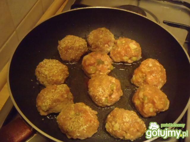 Kuleczki mięsne z warzywami