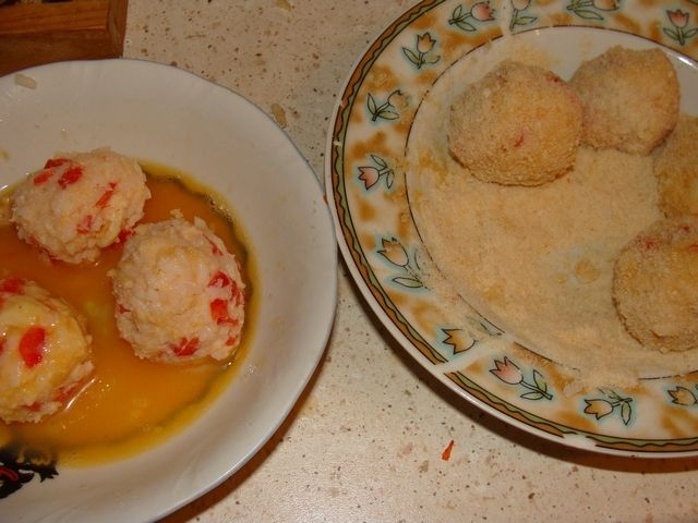 Kulki z ryżu z serem pleśniowym