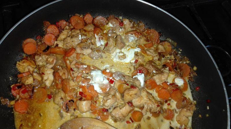 Kurczak curry z trawą cytrynową