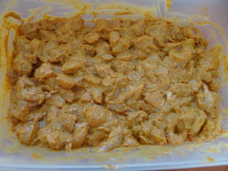Kurczak po tajsku z białym ryżem