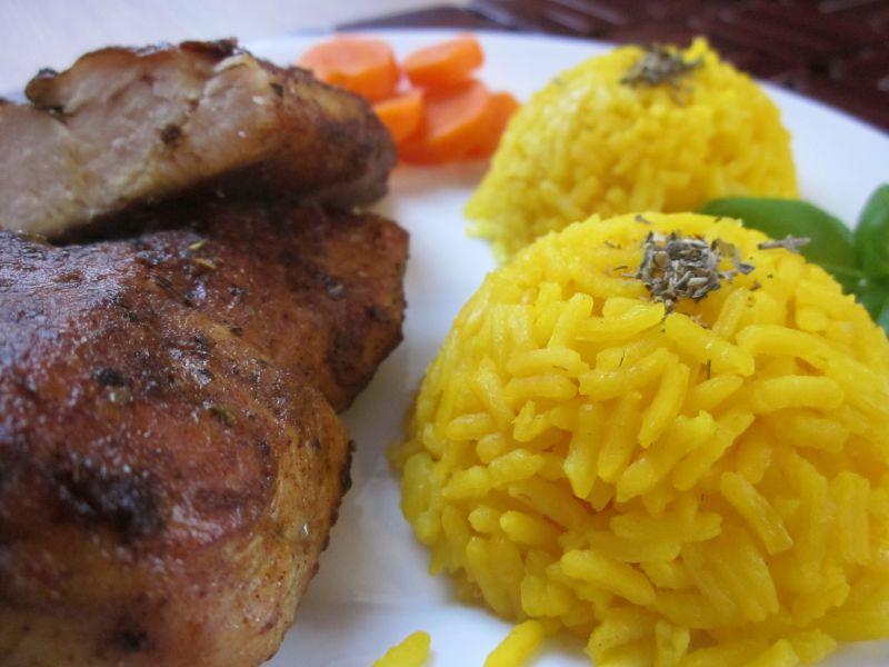 Kurczak w curry i ziołach