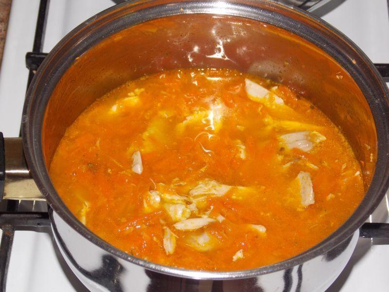 Kurczak w marchewkowym sosie